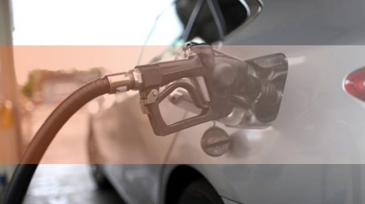 How to fill petrol half a tank or full?