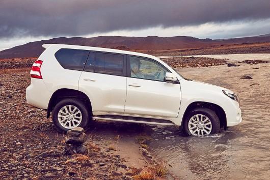 2016 Toyota Land Cruiser Prado: Small restyling