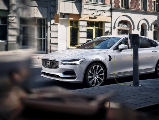1449128536_volvo-s90-revealed-in-official-press-photos_46