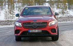 1458137257_2017-mercedes-benz-glc-coupe-shows-up-virtually-unmasked_11