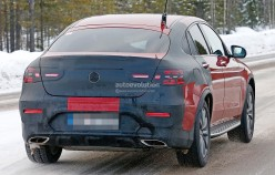 1458137274_2017-mercedes-benz-glc-coupe-shows-up-virtually-unmasked_14