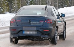 1458137288_2017-mercedes-benz-glc-coupe-shows-up-virtually-unmasked_16