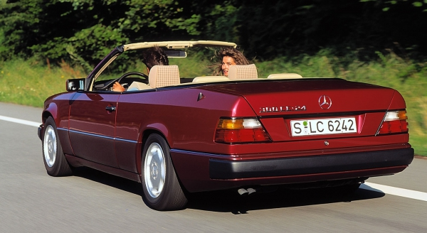 The convertible Mercedes E-Class celebrates its 25th birthday