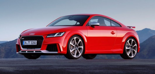 2017 Audi TT RS: Powerful acceleration and engine sound