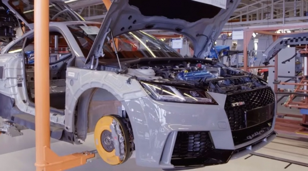 That's how is born the Audi TT RS: Video