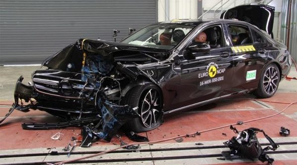 2017 Mercedes-Benz E-Class received the highest safety rating in EuroNCAP