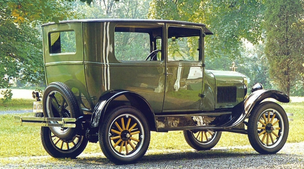 ten of the oldest cars in the world photos and review. Black Bedroom Furniture Sets. Home Design Ideas