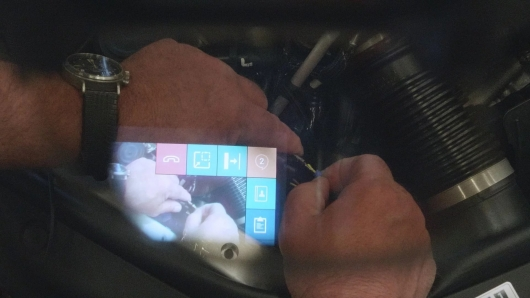 Technology Porsche use augmented reality glasses for faster repair