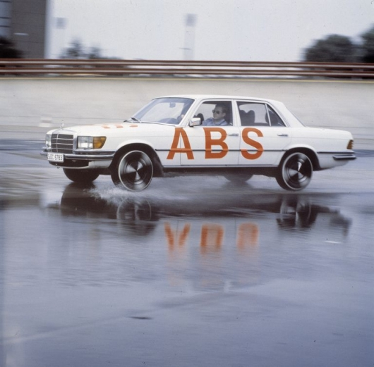 Here's how 40 years ago was invented the anti-lock brake system
