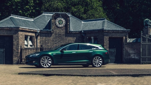 Tesla Model S in the most incredible body