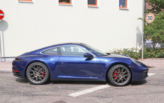2020 Porsche 911 revealed without camouflage [Camouflage on the coupe at all]