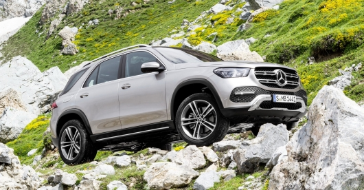 Mercedes GLE vs BMW X5: a brief comparison side by side