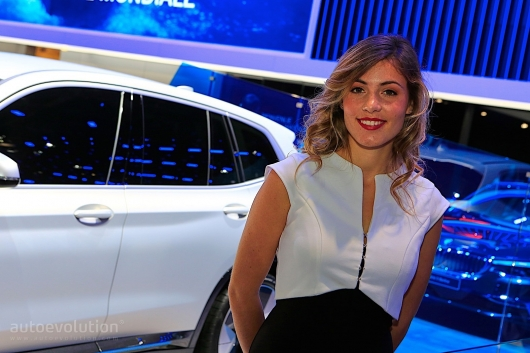 The most beautiful girls at the auto show in Paris in 2018