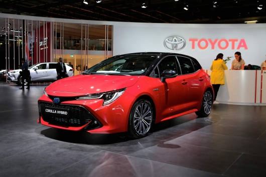 2019 Toyota Corolla: two versions of the popular models are revealed in Paris