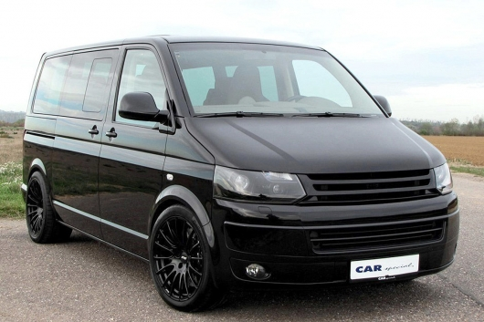 This Volkswagen microbus accelerates 285 km/h!