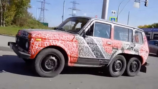 Lada Niva 6x6 as a response to the Mercedes G63 AMG 6x6