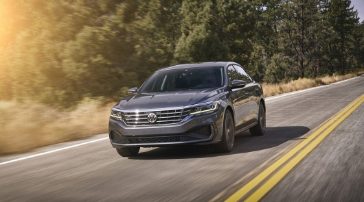 Volkswagen has officially unveiled the Passat 2020 model year: updates are, but they are a little