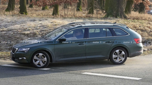 2019 Skoda Superb spy recorded updates