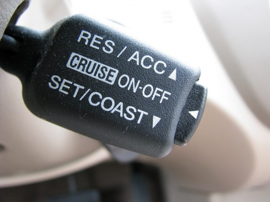 Does the fuel consumption driving with cruise control?