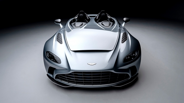 Aston Martin V12 Speedster: road fighter without the windscreen