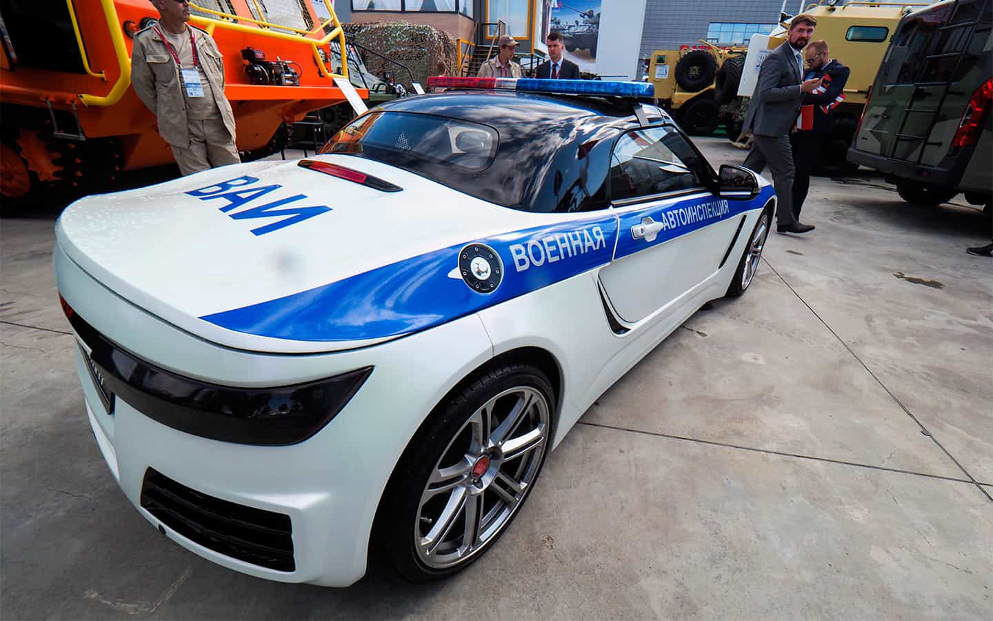 A high-speed roadster for the police has been created in Russia. Photo