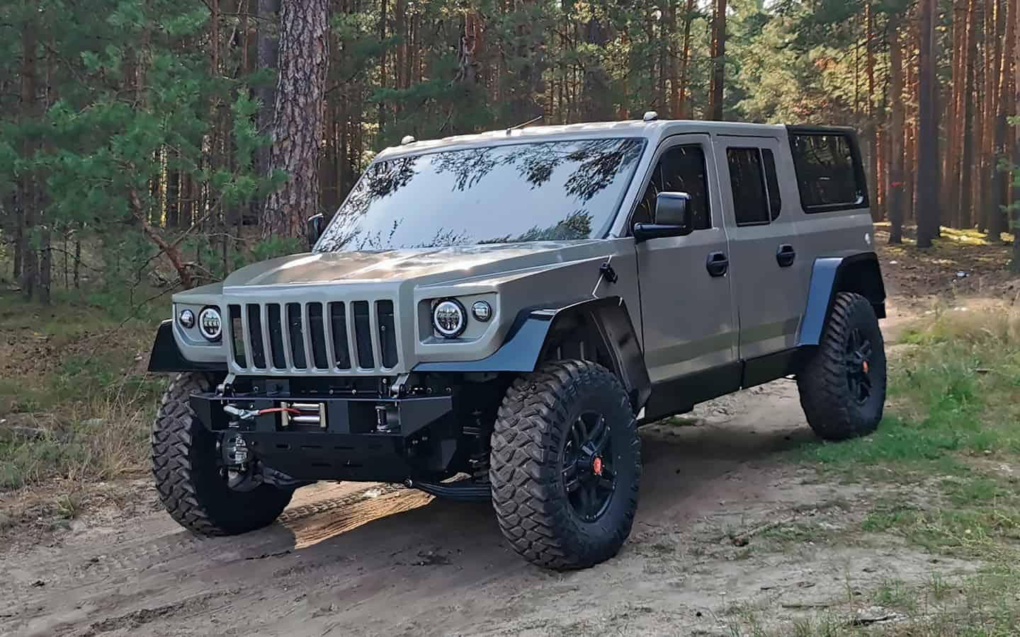 """Russia has developed a large SUV """"Strela"""" based on the """"Gazelle"""""""