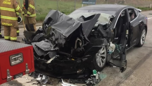 This test shows why crash cars Tesla continue to occur