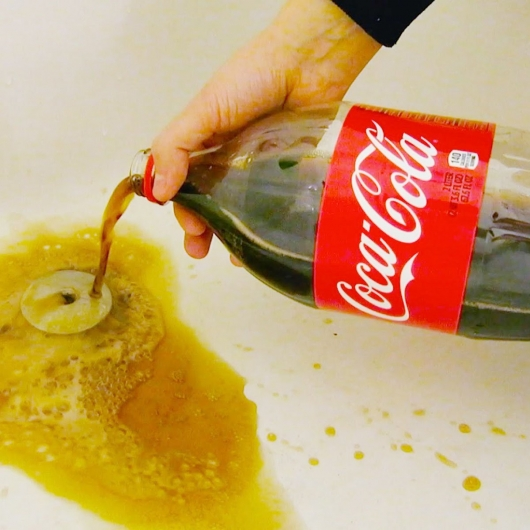 37 unusual ways to use Coca-Cola
